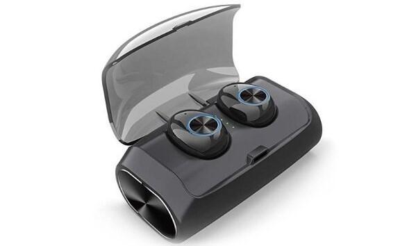 Bluetooth slušalka so nepogrešljiv pripomoček za pogovore med vožnjo