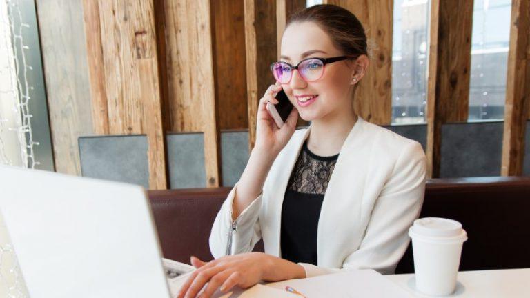 Zmanjšajmo stres na oči med sedenjem za računalnikom